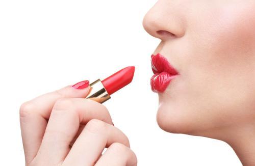 成妆化妆学校包就业靠不靠谱,看完这个你就知道了
